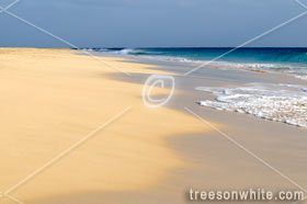 Beach swell and turqoise atlantic ocean background. (Cape Verde)